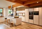 Kuchnia w stylu toskańskim. Biel, drewno i marmur w aranżacji kuchni